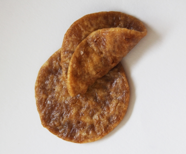 千葉県銚子名物「ぬれ煎餅」
