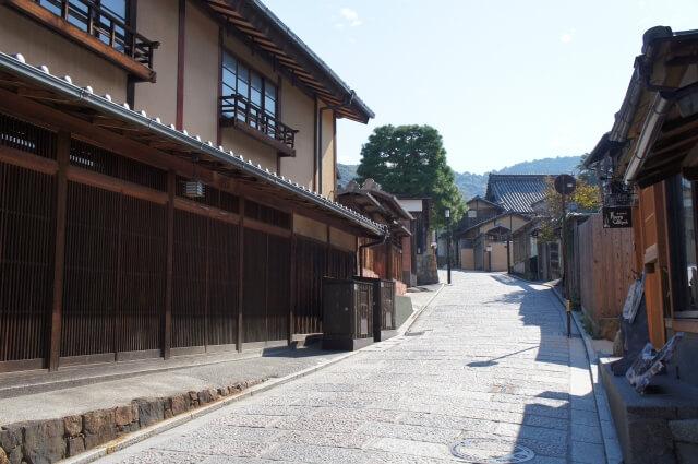 京都を代表する伝統工芸品「京焼・清水焼」