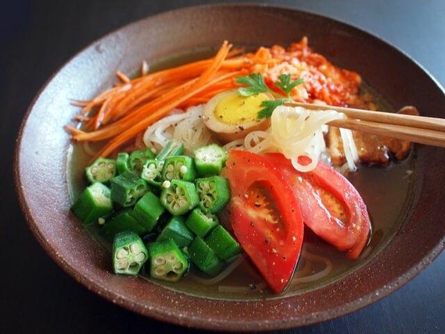 盛岡三大麺の一つ「盛岡冷麺」のおいしさを通販で味わおう