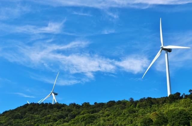 風力発電のメリットと問題点 なぜ日本での導入は進まないのか