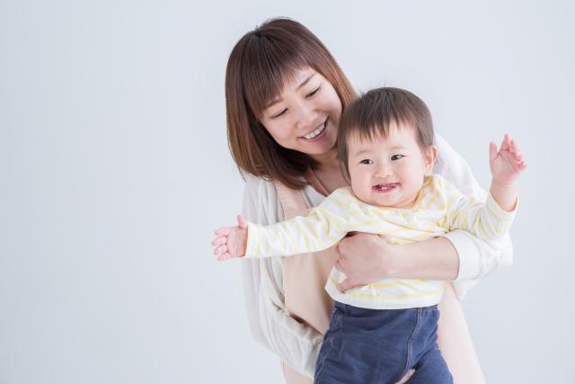 日本のシングルマザーの貧困率はなぜ上昇を続けているのか