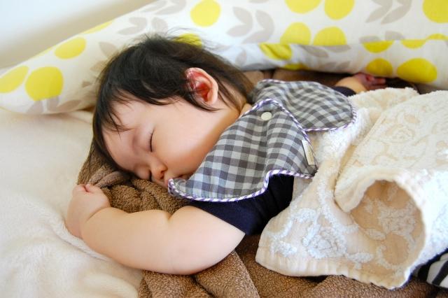 保育施設で相次ぐ乳幼児の突然死を防ぐためにはどうすべきか